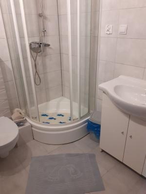 pokój i łazienka 07